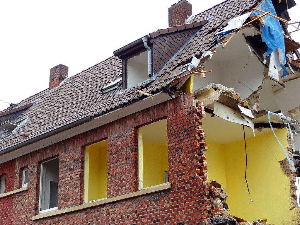 събаряне на сгради